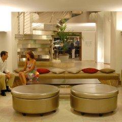Отель Beach Club Font de Sa Cala интерьер отеля