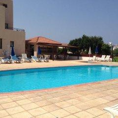 Отель Constantaras Apartments Кипр, Протарас - отзывы, цены и фото номеров - забронировать отель Constantaras Apartments онлайн бассейн