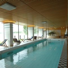 Отель Hilton Kalastajatorppa Хельсинки бассейн
