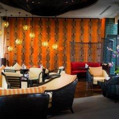 Отель Millennium Resort Patong Phuket гостиничный бар