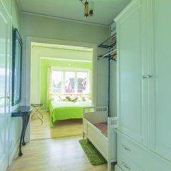 Отель AlmbyBNB Эребру комната для гостей