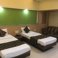 Hotel Poonam комната для гостей