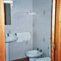 Отель Apartamentos Turísticos Es Daus ванная фото 2