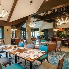 Отель Crimson Resort and Spa Mactan Филиппины, Лапу-Лапу - 1 отзыв об отеле, цены и фото номеров - забронировать отель Crimson Resort and Spa Mactan онлайн питание фото 2