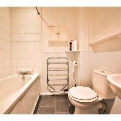 Отель Quiet Flat for 4 With Sea View in Central Brighton Великобритания, Брайтон - отзывы, цены и фото номеров - забронировать отель Quiet Flat for 4 With Sea View in Central Brighton онлайн ванная