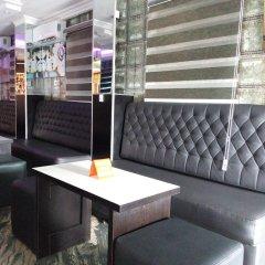 Отель Euro Lounge and Suites гостиничный бар