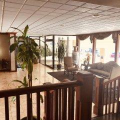 Отель Days Inn by Wyndham Hollywood Near Universal Studios США, Лос-Анджелес - 1 отзыв об отеле, цены и фото номеров - забронировать отель Days Inn by Wyndham Hollywood Near Universal Studios онлайн бассейн фото 3
