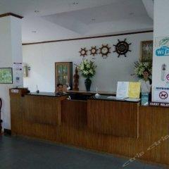 Отель First Bungalow Beach Resort интерьер отеля фото 3