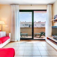 Отель Apartamento Vivalidays Mari Испания, Льорет-де-Мар - отзывы, цены и фото номеров - забронировать отель Apartamento Vivalidays Mari онлайн комната для гостей фото 3