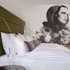 Отель Indigo Düsseldorf - Victoriaplatz Германия, Дюссельдорф - отзывы, цены и фото номеров - забронировать отель Indigo Düsseldorf - Victoriaplatz онлайн комната для гостей фото 5