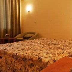 Отель Ljuljak Hotel Болгария, Золотые пески - 1 отзыв об отеле, цены и фото номеров - забронировать отель Ljuljak Hotel онлайн приотельная территория