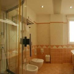 Aragosta Hotel & Restaurant ванная фото 2