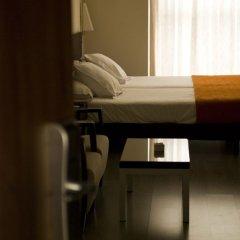 Отель Suites Viena Plaza De Espana Мадрид сейф в номере