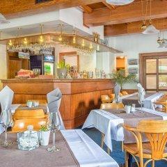 Отель JaS Чехия, Прага - отзывы, цены и фото номеров - забронировать отель JaS онлайн гостиничный бар