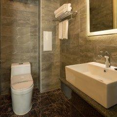 Отель Hill Lily Hotel Китай, Пекин - отзывы, цены и фото номеров - забронировать отель Hill Lily Hotel онлайн ванная