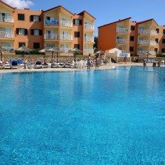 Отель Roc Cala d'en Blanes Beach Club бассейн