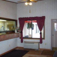 Отель Knights Inn Columbus East Колумбус интерьер отеля