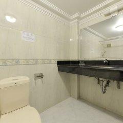 Отель Lucky 2 Hotel - The Original Lucky Chain Вьетнам, Ханой - отзывы, цены и фото номеров - забронировать отель Lucky 2 Hotel - The Original Lucky Chain онлайн ванная фото 2