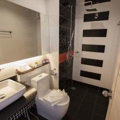 Отель The Elysium Residence Таиланд, Бухта Чалонг - отзывы, цены и фото номеров - забронировать отель The Elysium Residence онлайн ванная фото 2