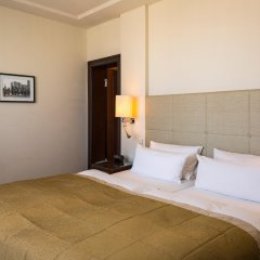 Отель Bristol Berlin Германия, Берлин - 8 отзывов об отеле, цены и фото номеров - забронировать отель Bristol Berlin онлайн комната для гостей фото 3