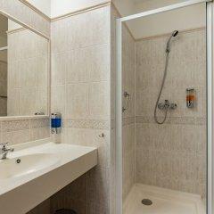 Отель Penzion Fan Чехия, Карловы Вары - 1 отзыв об отеле, цены и фото номеров - забронировать отель Penzion Fan онлайн ванная фото 4