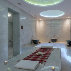 Radisson Blu Hotel Istanbul Ottomare бассейн