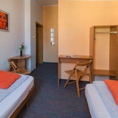 Отель Hill Inn Познань удобства в номере