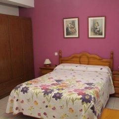 Отель Hostal Flor de Quejo Испания, Арнуэро - отзывы, цены и фото номеров - забронировать отель Hostal Flor de Quejo онлайн комната для гостей фото 4