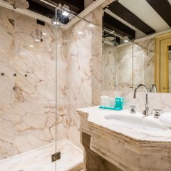 Отель Nani Mocenigo Palace Италия, Венеция - отзывы, цены и фото номеров - забронировать отель Nani Mocenigo Palace онлайн ванная фото 2