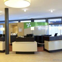 Отель Holiday Inn Berlin Airport - Conference Centre Шёнефельд интерьер отеля фото 2