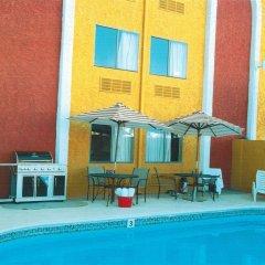 Отель Claremont Hotel Las Vegas США, Лас-Вегас - отзывы, цены и фото номеров - забронировать отель Claremont Hotel Las Vegas онлайн бассейн
