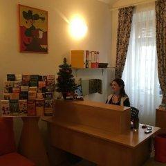 Отель Charles Bridge Apartments Чехия, Прага - отзывы, цены и фото номеров - забронировать отель Charles Bridge Apartments онлайн интерьер отеля фото 3