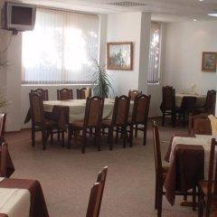 Отель Family Hotel Saint Iliya Болгария, Бургас - отзывы, цены и фото номеров - забронировать отель Family Hotel Saint Iliya онлайн питание фото 3