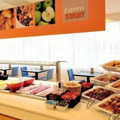 Отель Holiday Inn Express Amsterdam Arena Towers Нидерланды, Амстердам - 2 отзыва об отеле, цены и фото номеров - забронировать отель Holiday Inn Express Amsterdam Arena Towers онлайн питание