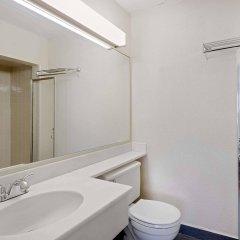 Отель Travelodge by Wyndham Chambersburg США, Чемберсберг - отзывы, цены и фото номеров - забронировать отель Travelodge by Wyndham Chambersburg онлайн ванная
