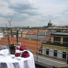 Отель Majestic Plaza Чехия, Прага - 8 отзывов об отеле, цены и фото номеров - забронировать отель Majestic Plaza онлайн балкон