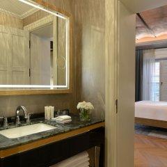 10 Karakoy Istanbul Турция, Стамбул - 5 отзывов об отеле, цены и фото номеров - забронировать отель 10 Karakoy Istanbul онлайн ванная фото 2