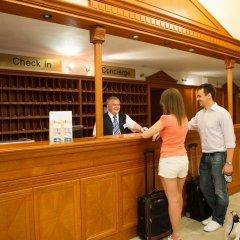 Отель Grand Hotel Aranybika Венгрия, Дебрецен - 8 отзывов об отеле, цены и фото номеров - забронировать отель Grand Hotel Aranybika онлайн интерьер отеля фото 2