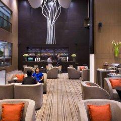 Отель Grand Mercure Bangkok Fortune гостиничный бар
