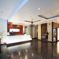 Отель Admiral Premier Sukhumvit 23 By Compass Hospitality Бангкок интерьер отеля фото 3