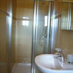 Отель Gozo Hills Bed and Breakfast ванная фото 2