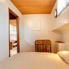 Апартаменты Houseboat Apartments - Canal Belt East Area комната для гостей фото 2