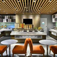 Отель Holiday Inn Express Singapore Orchard Road гостиничный бар