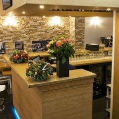 Отель Larende Нидерланды, Амстердам - 1 отзыв об отеле, цены и фото номеров - забронировать отель Larende онлайн гостиничный бар фото 2