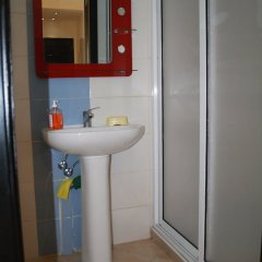 Отель Coquets Appartements Марокко, Танжер - отзывы, цены и фото номеров - забронировать отель Coquets Appartements онлайн ванная