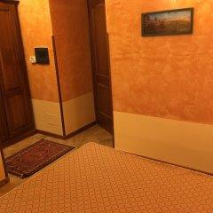 Hotel Al Ritrovo Пьяцца-Армерина сейф в номере