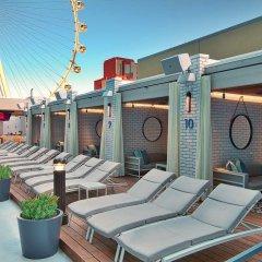 Отель The LINQ Hotel & Casino США, Лас-Вегас - 9 отзывов об отеле, цены и фото номеров - забронировать отель The LINQ Hotel & Casino онлайн бассейн фото 3