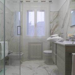 Отель Benedetto Marcello Италия, Венеция - отзывы, цены и фото номеров - забронировать отель Benedetto Marcello онлайн ванная фото 2