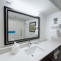 Отель Hampton Inn Meridian ванная