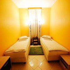 Хостел Landmark City Стандартный номер с 2 отдельными кроватями фото 7